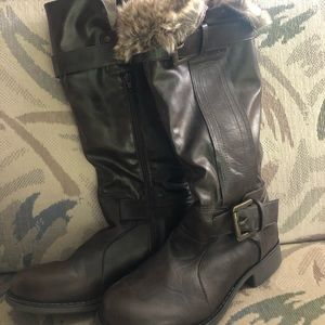 Very warm and cute boots, only worn twice!